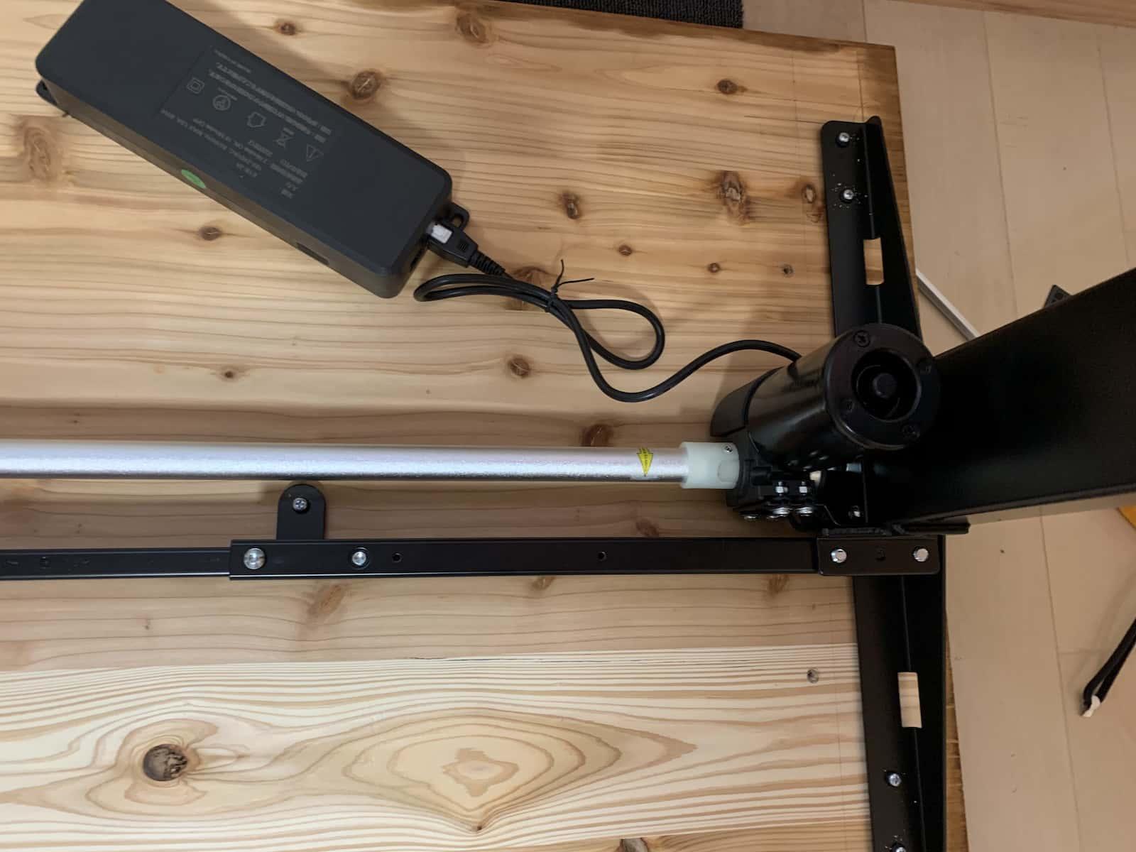 flexispot(フレキシスポット)のシャフトの取り付けモーター側